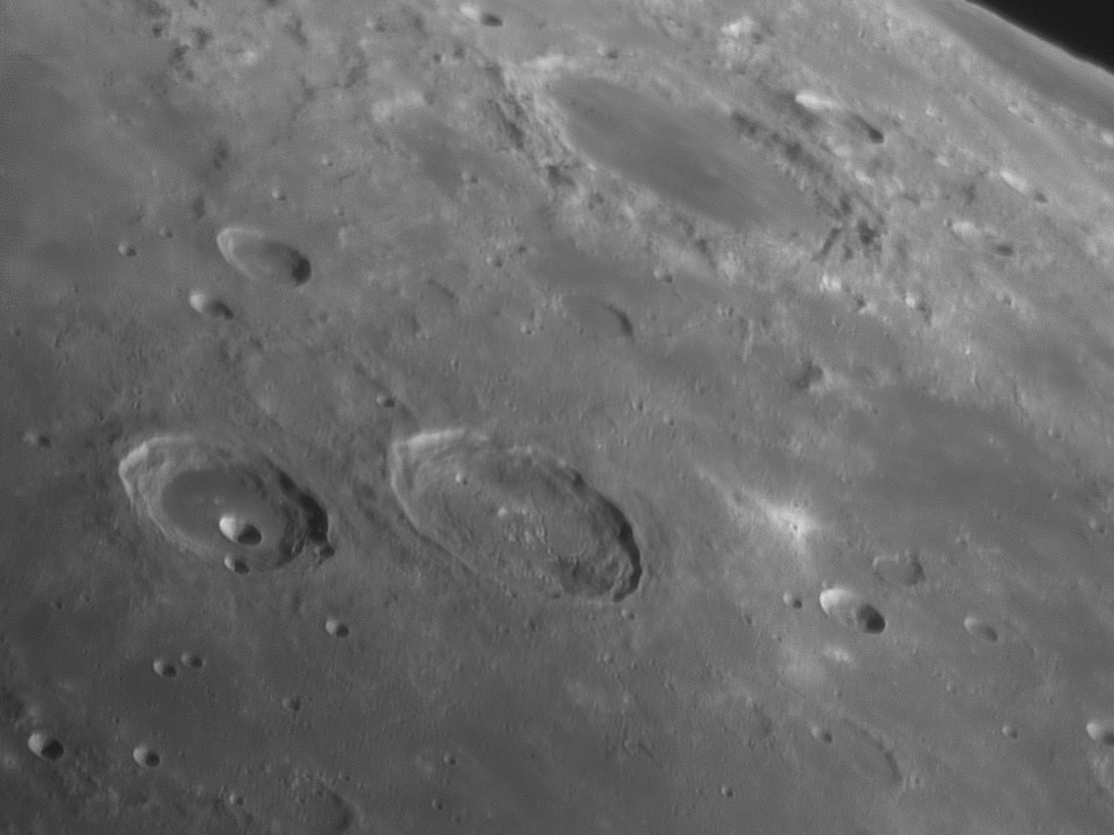 lune1.jpg.e3d1f4a5098461383c16ea14fd757f6e.jpg