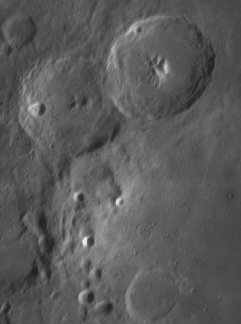 lune2.jpg.370179b5fefbdc5e40a3496de60b877d.jpg
