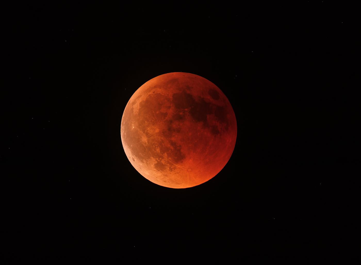 Eclipse totale de Lune, le 27 juillet 2018.jpg