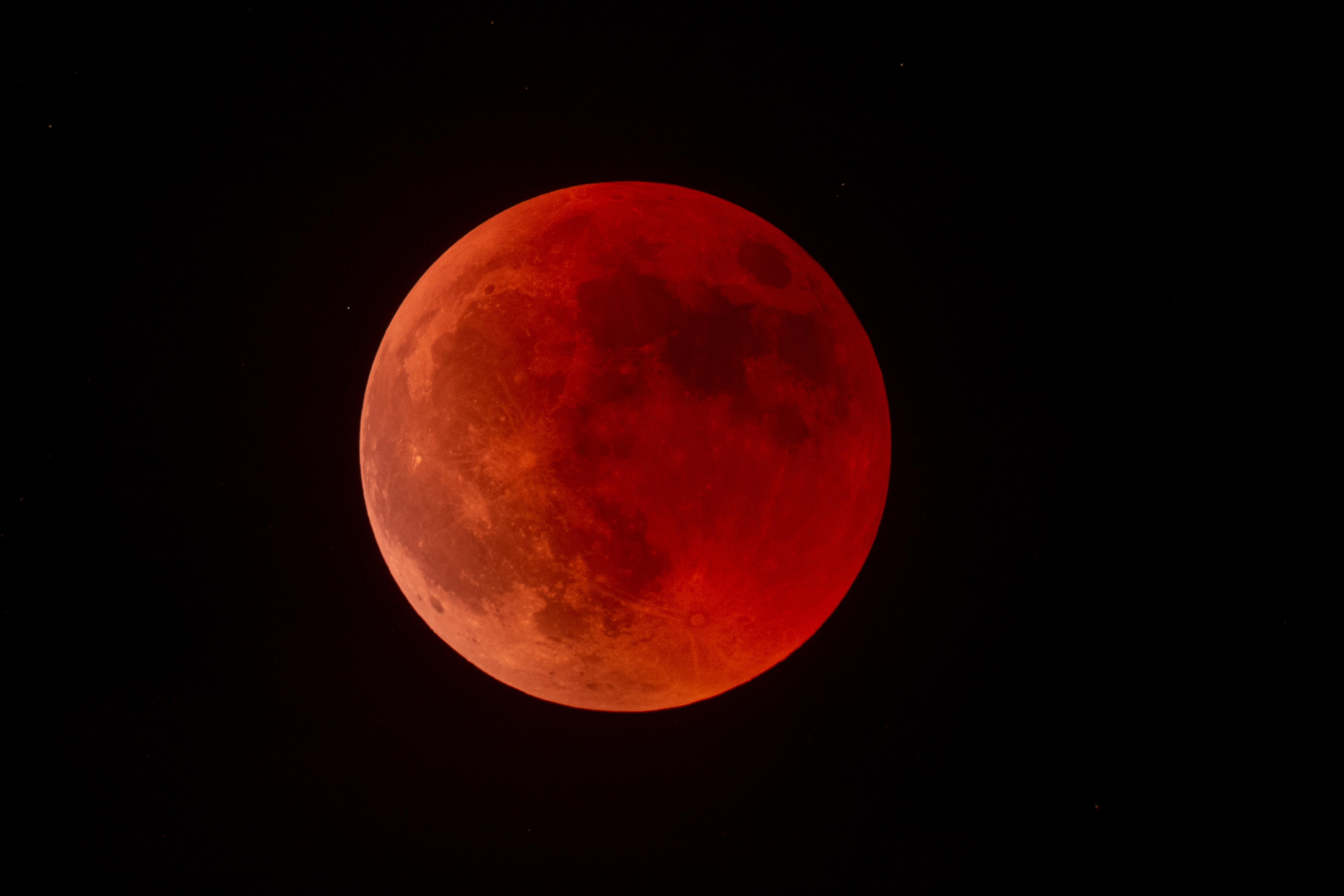 éclipse totale de lune du 27 juillet 2018