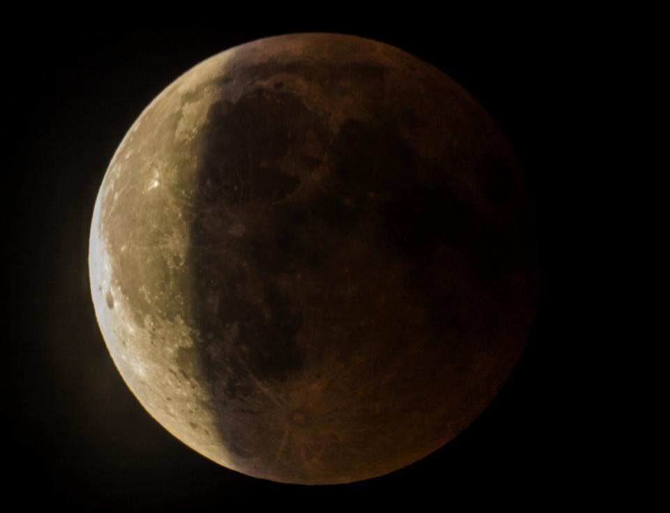 éclipse fin de la totalité Chiran_MG_8726_stitch.jpg