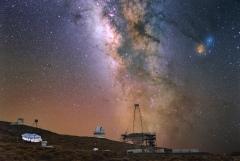 La voie lactée reflète dans le Magic Telescope et le GTC (La Palma, Canaries)