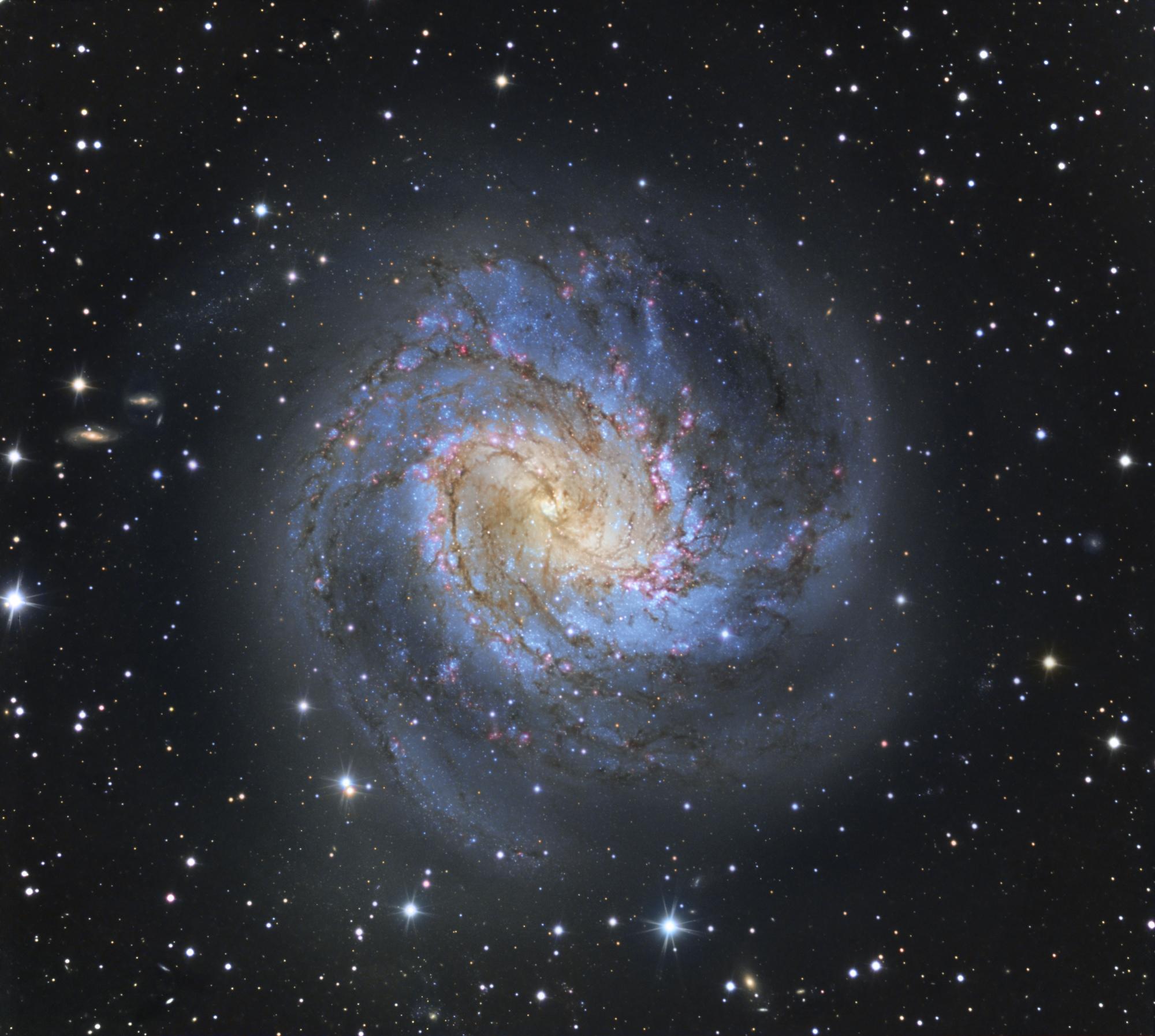 M83V8.jpg