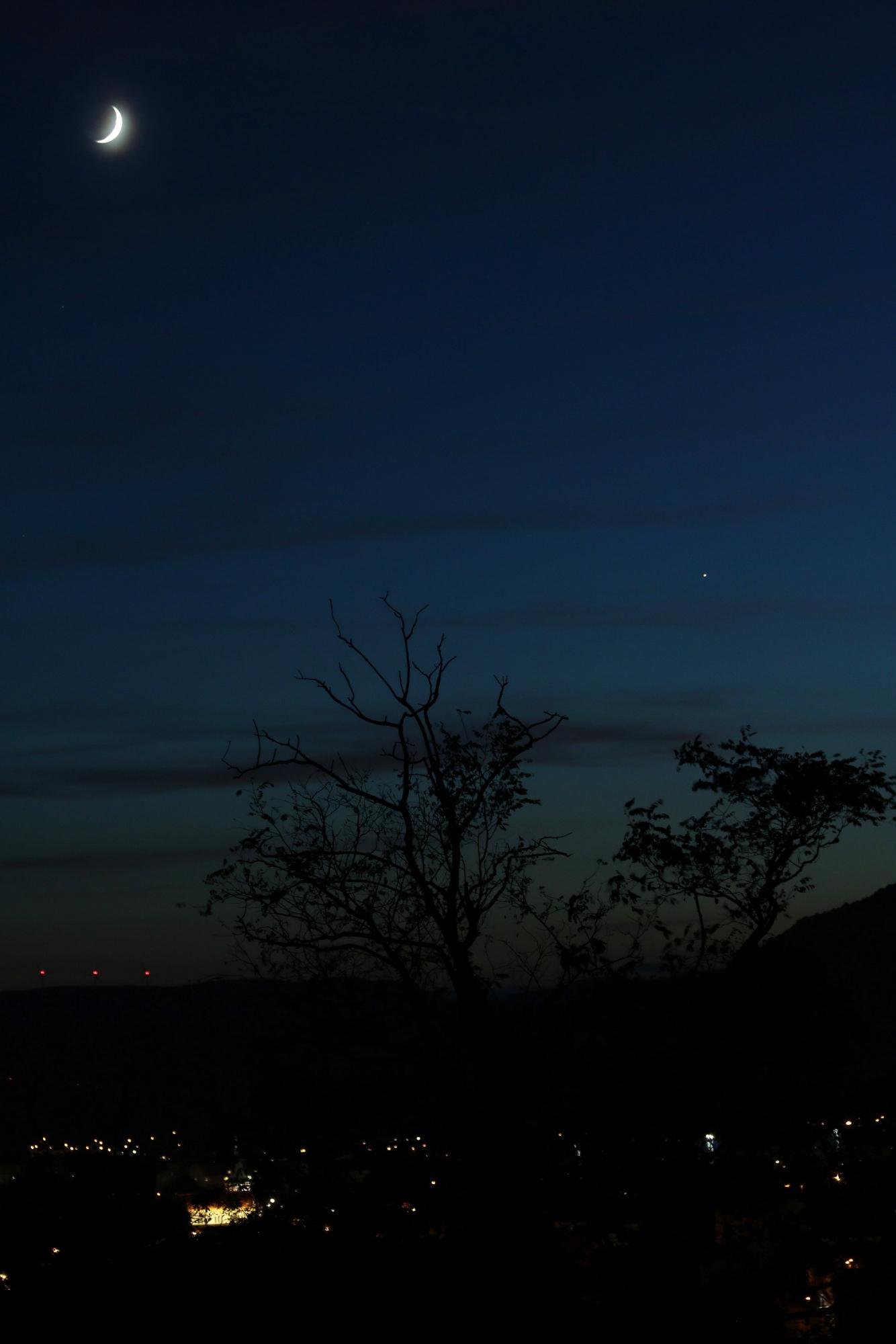 Lune et Jupiter le 12 octobre 2018 à 19h56.JPG