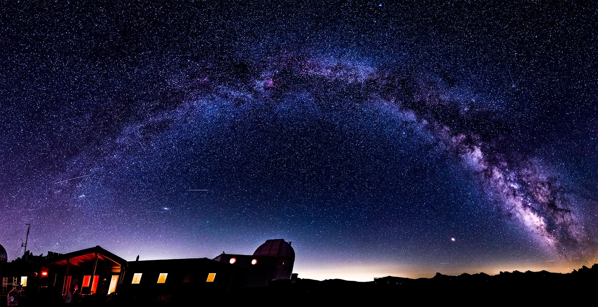 Arche voie lactée Saint Véran Observatoire 10-08-2018.jpg