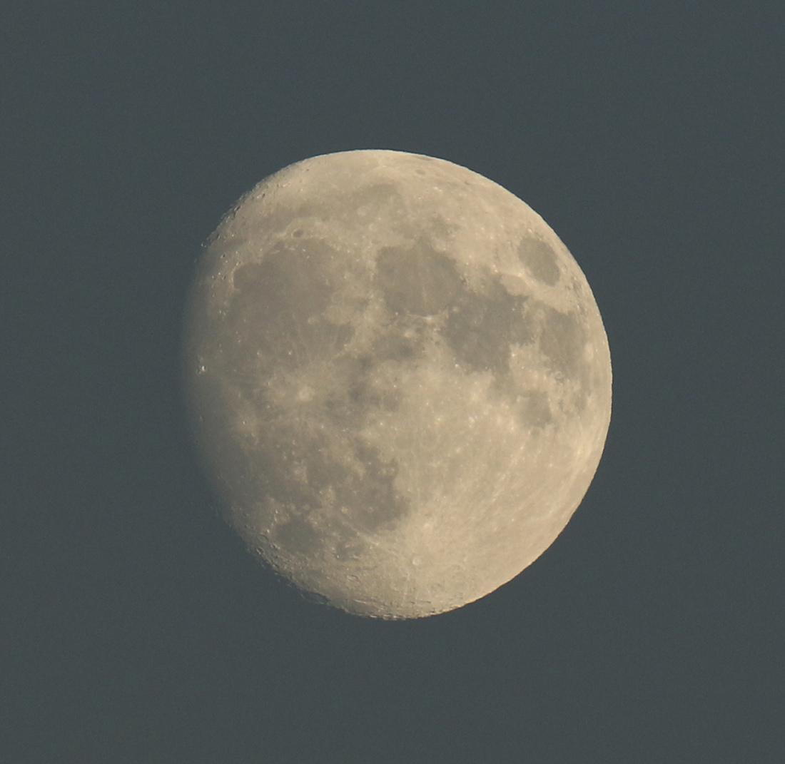 la lune, au soir du 21/10/2018 (50598/606/613/621.JPG°