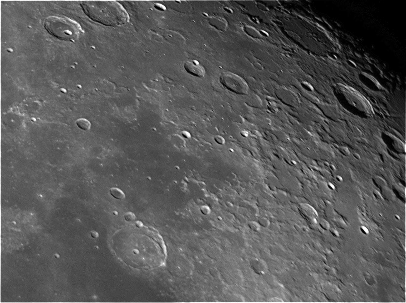 moon_eva_1.png