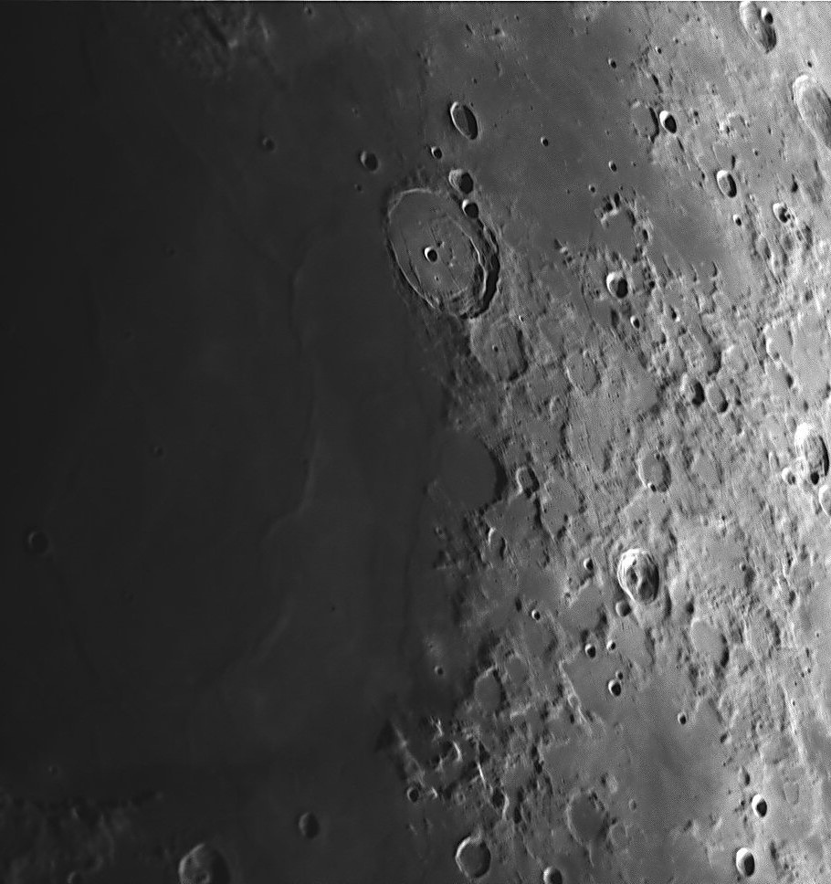 Moon_051216_ZWO ASI120MM_Gain=52_Exposure=2 (2).jpg