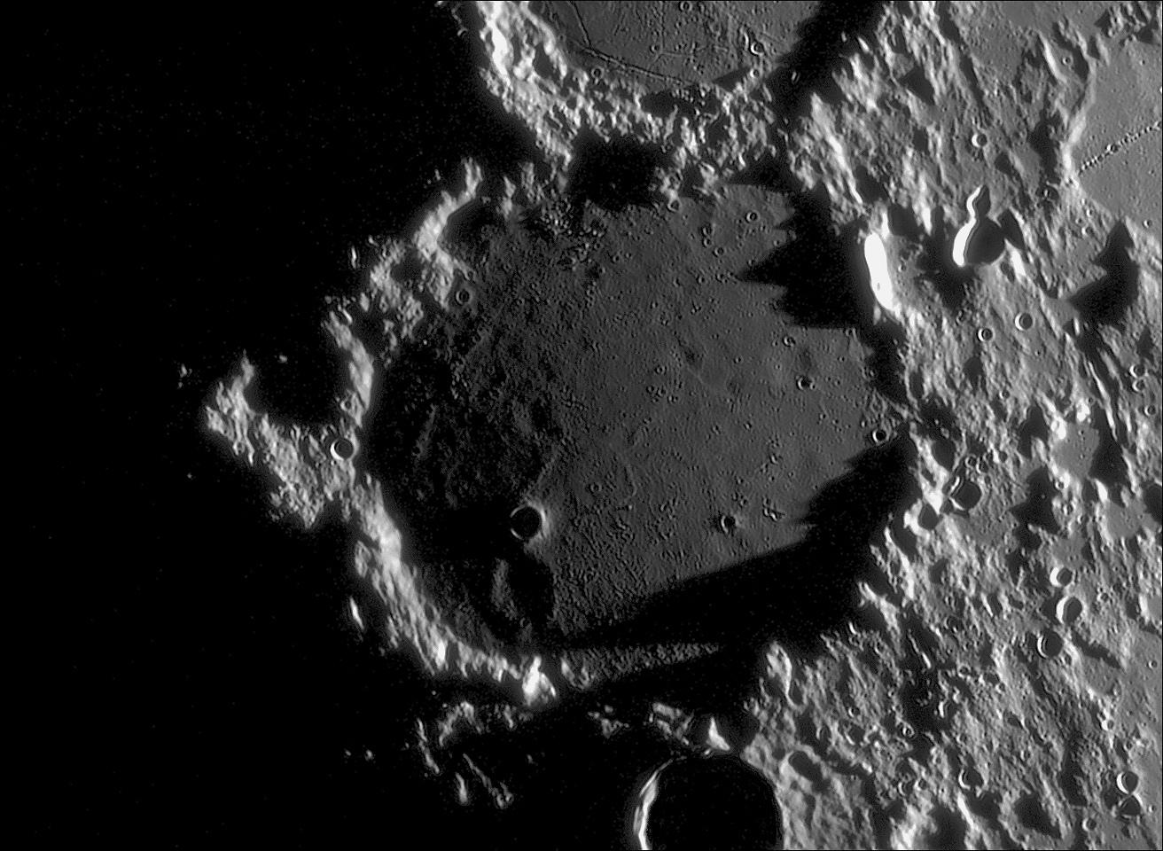 Ptolémée éclairage rasant du 01.09.10 C14 et 550 images Jpeg.jpg