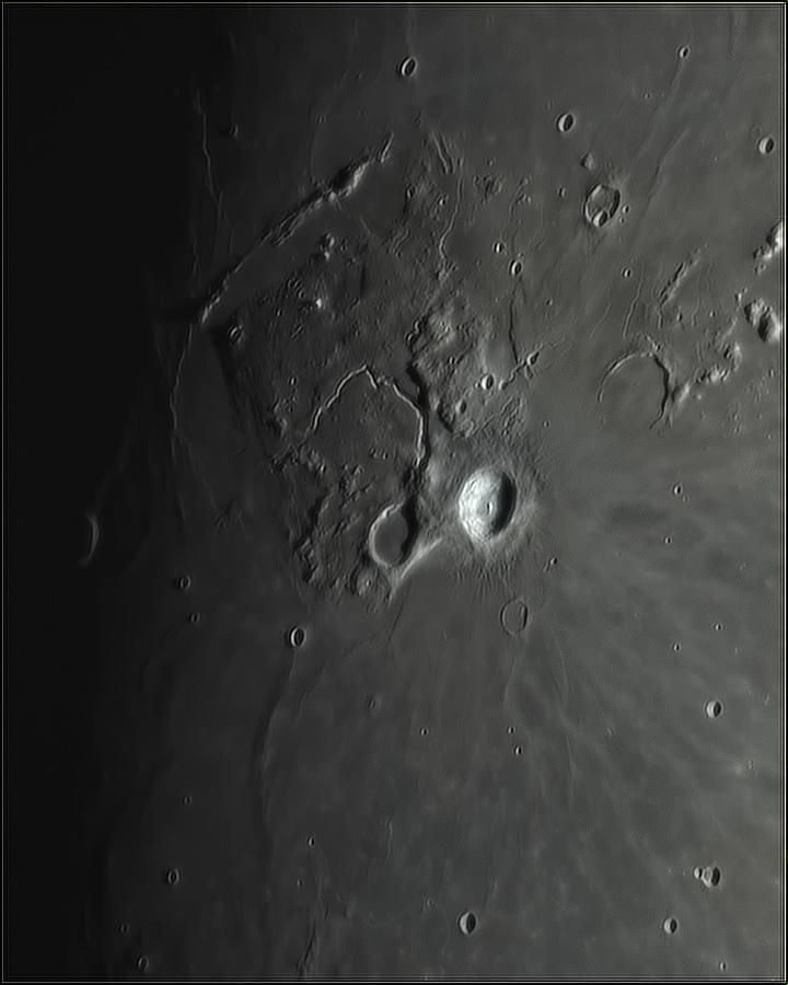 Moon_203233_N158x2797ap40_grad4_ap1480-astra4.jpg