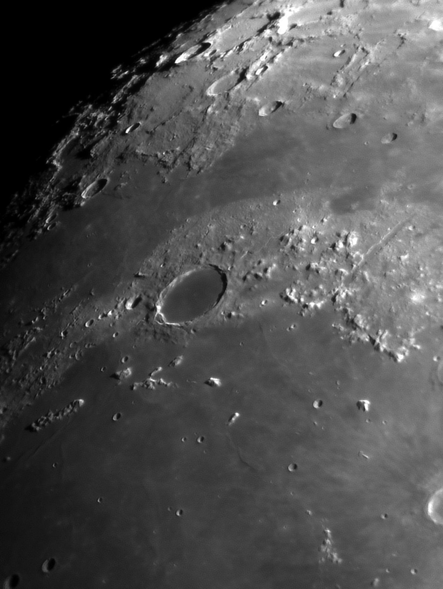 Moon_212038_Platon.jpg