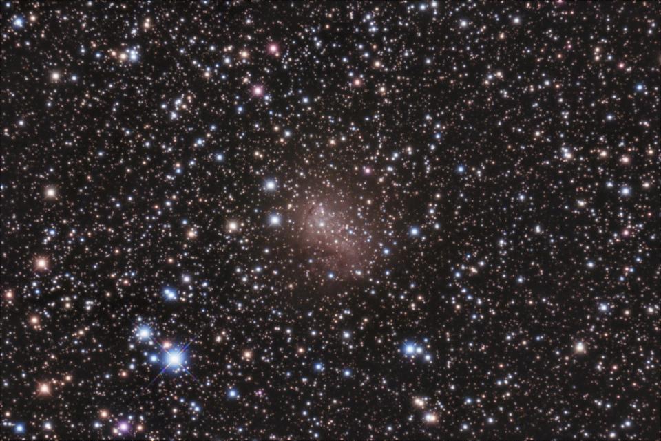 IC 10-LBN 591 (Galaxie de l'éclat d'étoile)
