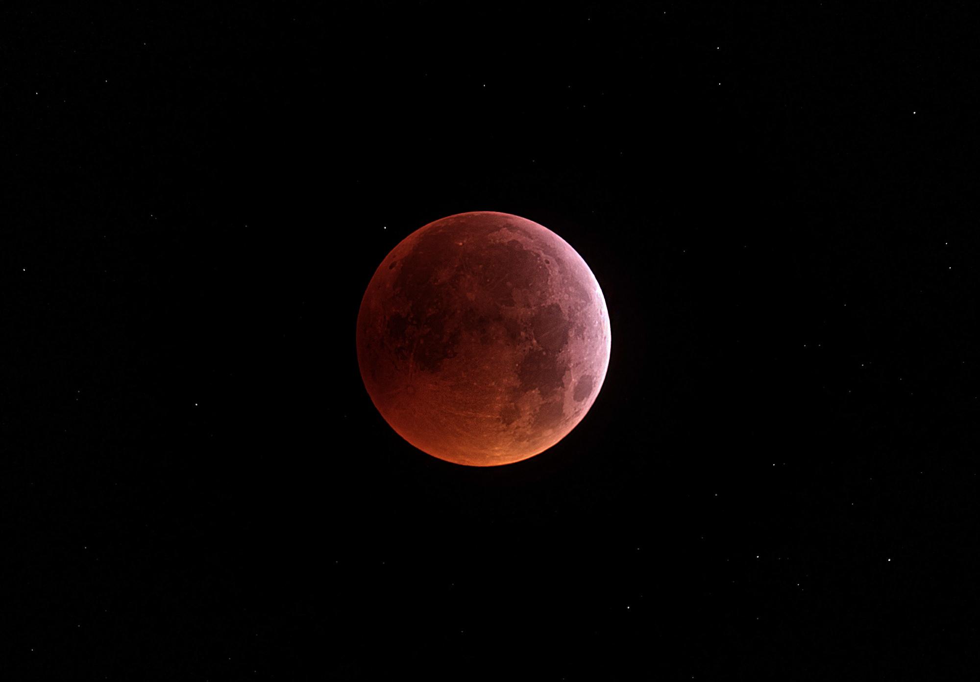 eclipse newtonder.jpg