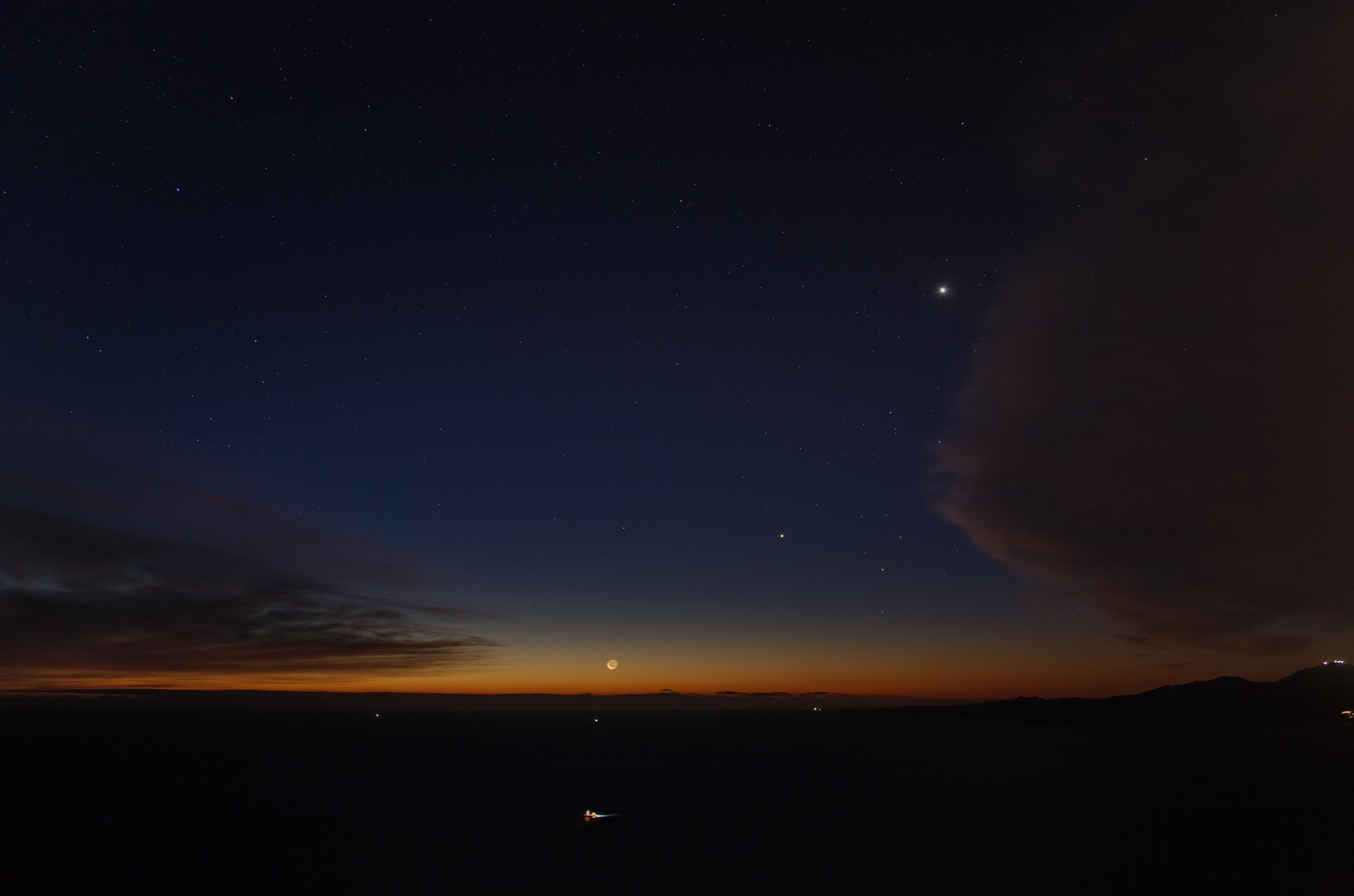 Belle alignement Lune, Jupiter et Vénus au matin du 4/01/2019
