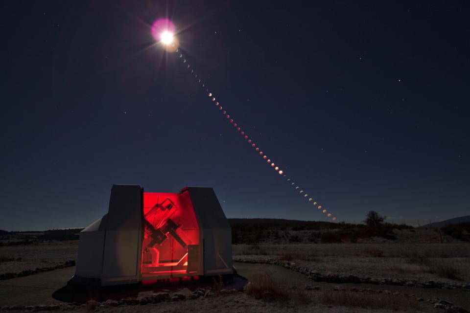 190121 - Chapelet éclipse de Lune - Canon 10-22 mm - 600D
