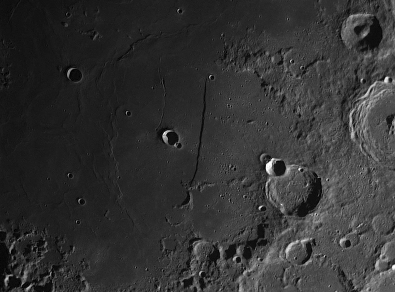 Moon_201606_lapl4_ap311 Mur droit.jpg