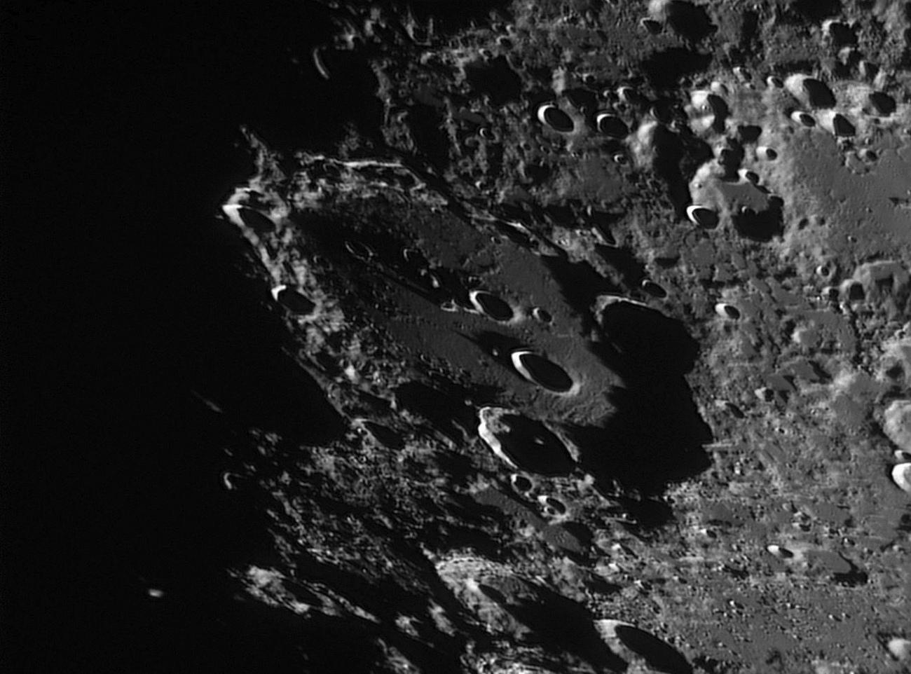 Moon_201749_lapl4_ap190 cratere.jpg