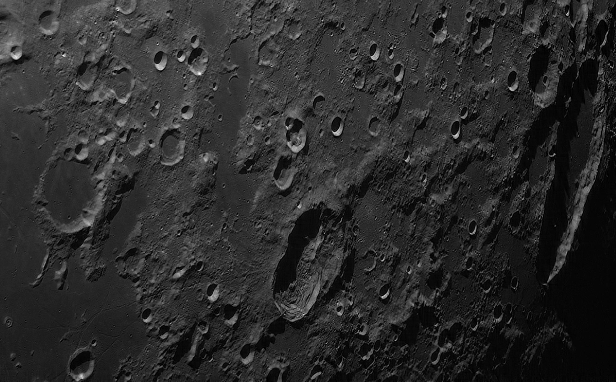 5c6aa7ea54eda_lune4.thumb.jpg.d37f761447310f43113aa215c0a22cc8.jpg