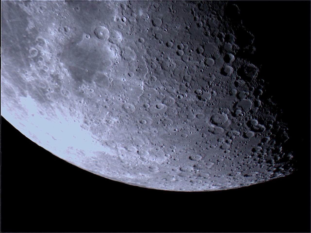 Moon_194004.jpg