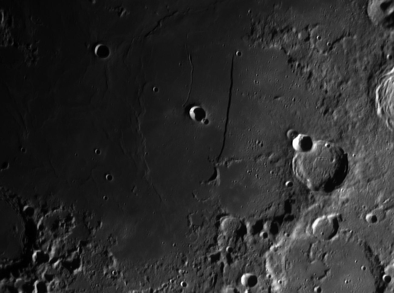 Moon_203710_lapl4_ap311 mur droit 2.jpg