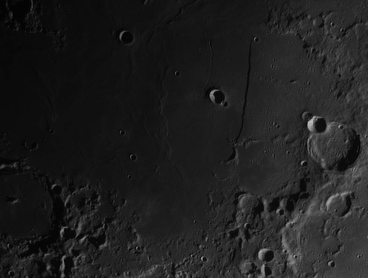 Moon_203935_lapl4_ap312 mur droit 3.jpg