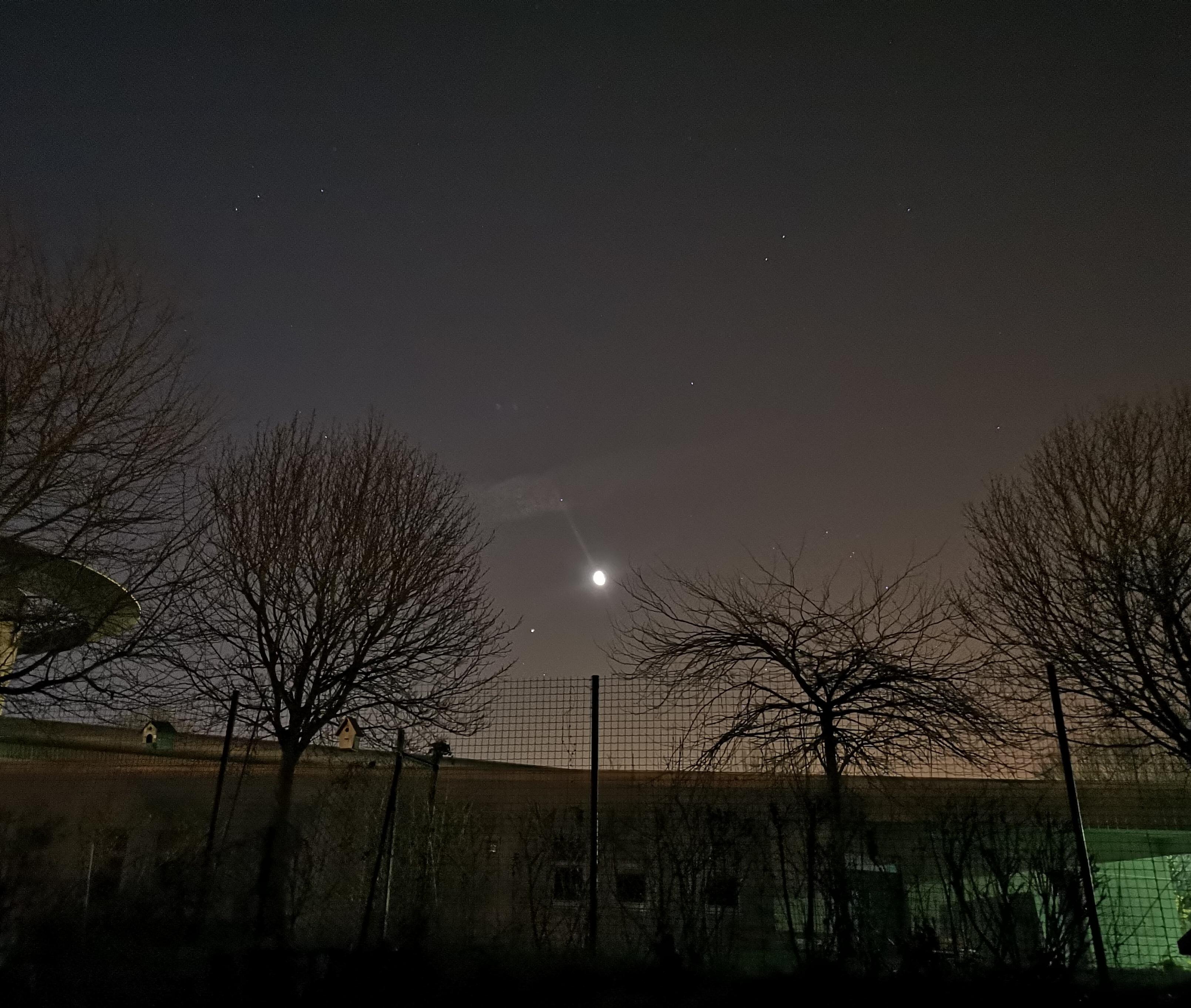 Jupiter et la Lune_20190227_062406.jpg