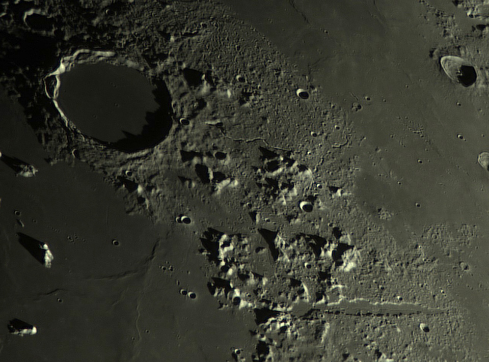 medium.5c667d5236987_Moon_201251_lapl4_a