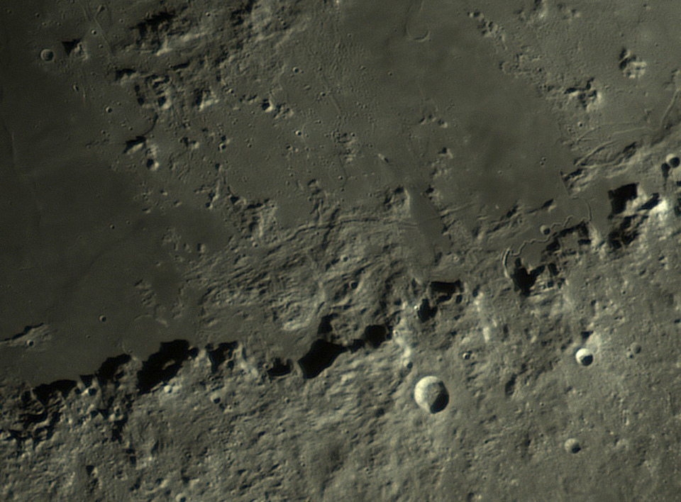 medium.5c667d537b2e0_Moon_201502_lapl4_a