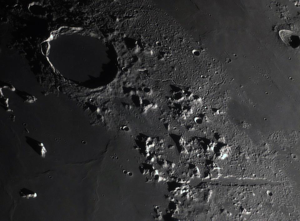 Moon_201251_C8 avec barlow.jpg