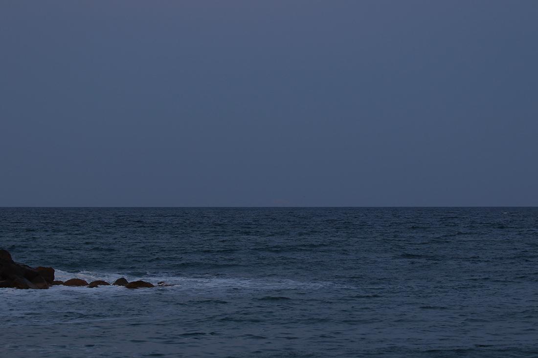 la lune le 19/04/2019 (63060/088/120)  pour son lever de pleine lune