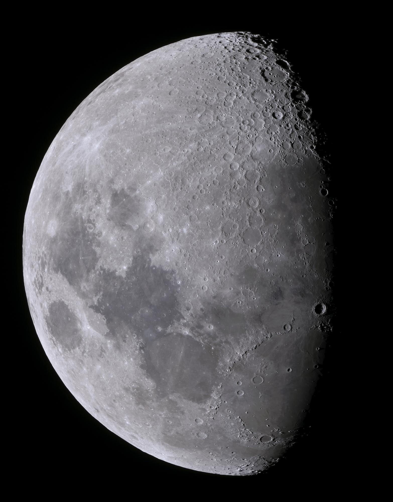 la_lune_40__images_TIFF_TTB_95%_JPEG.jpg