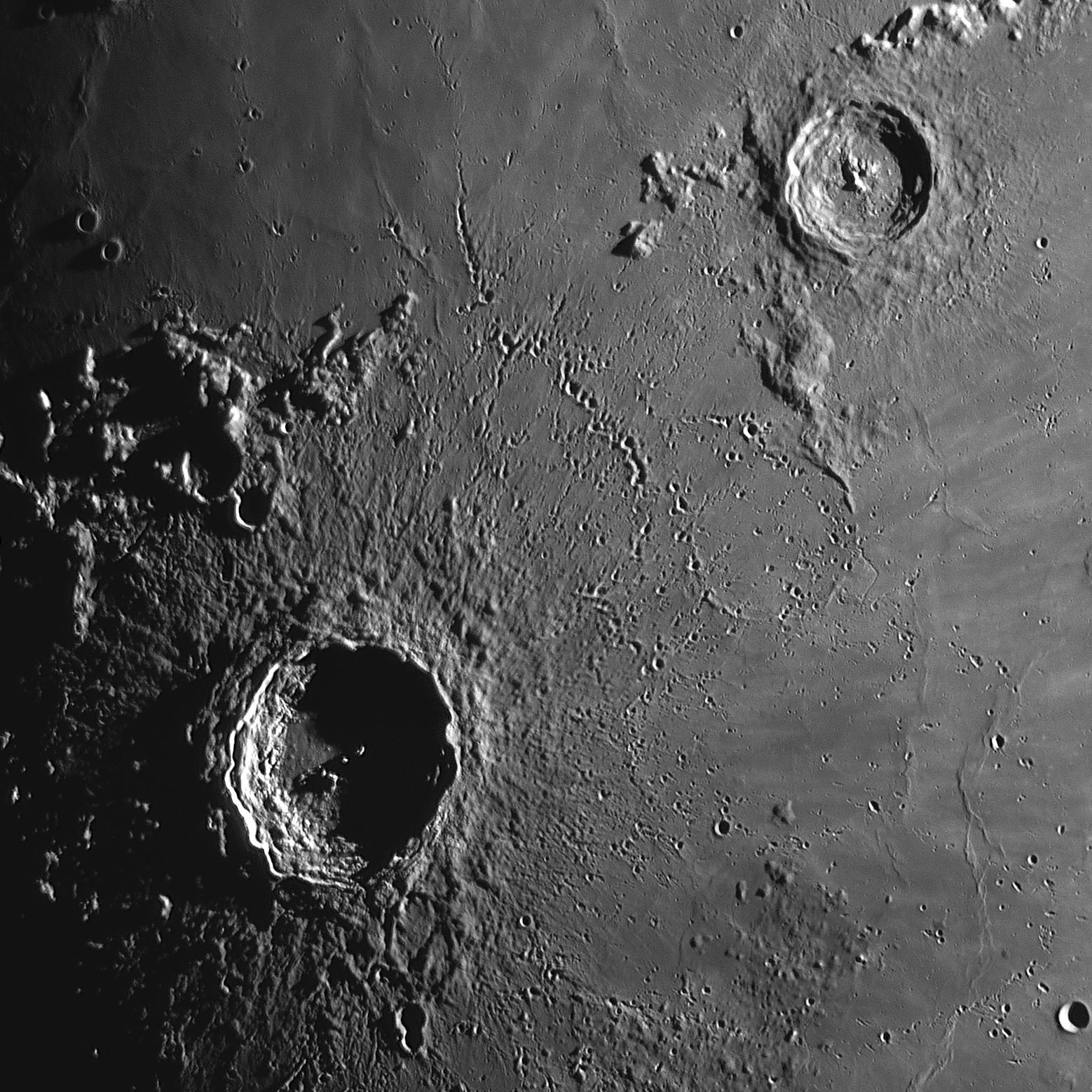 5cddc919367f2_2019-05-13-2027-R-Moon.jpg.2c0341ff0d51820dcc2e97658ff508ed.jpg