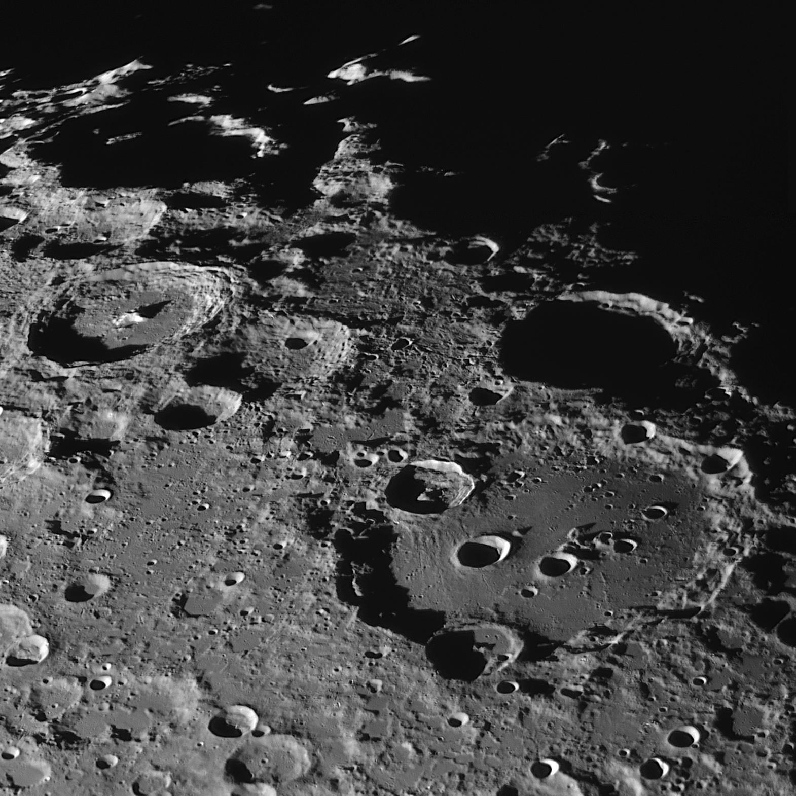 5cddc91c004fb_2019-05-2021-R-Moon.jpg.587def895070713853414d39d090958e.jpg
