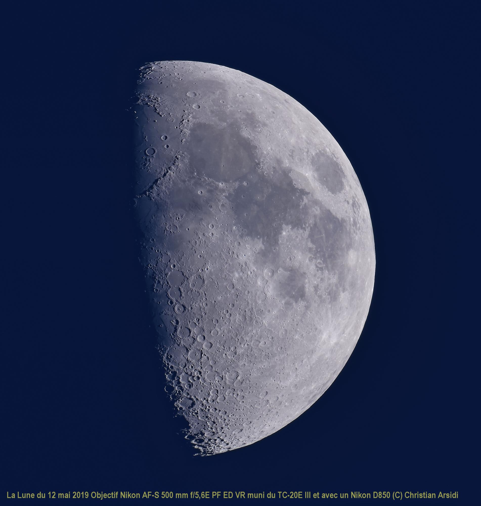 La Lune 40 images BV CA TTB  JPEG. 100%.jpg