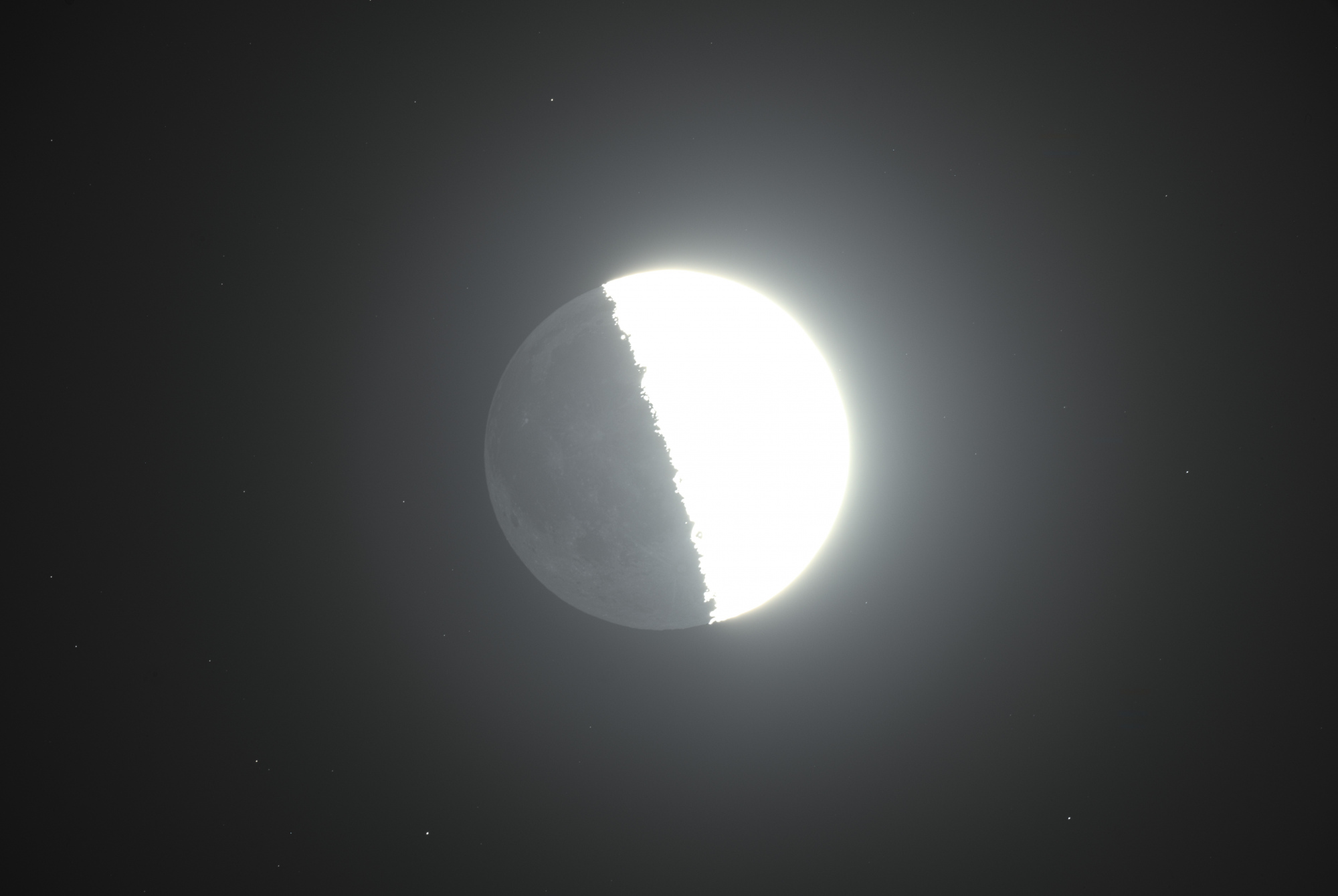earthshine.thumb.jpg.48f5e785bfb3085ca715612909aacfdc.jpg
