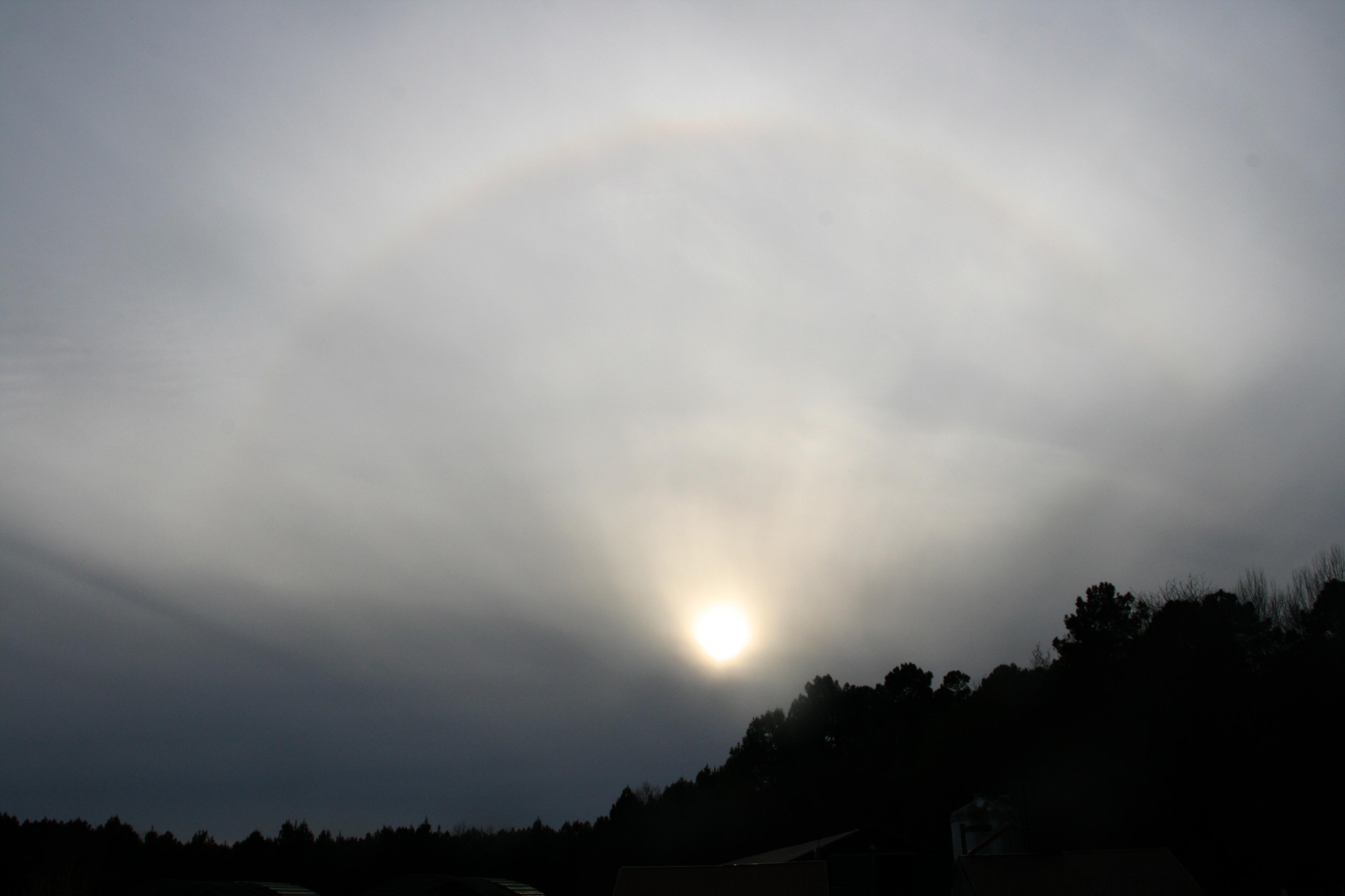 Un demi-halo solaire dans le Lot et Garonne