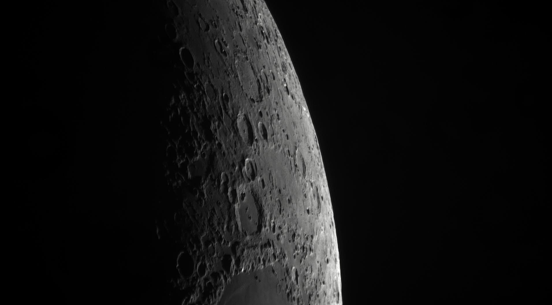 5cf9d0eb9b97c_Moon_205041_060619_ZWOASI290MM_IR_680nm_AS_P35_lapl4_ap103.jpg.61115e84b0eca2dbf7c5c7c5e1cc5832.jpg