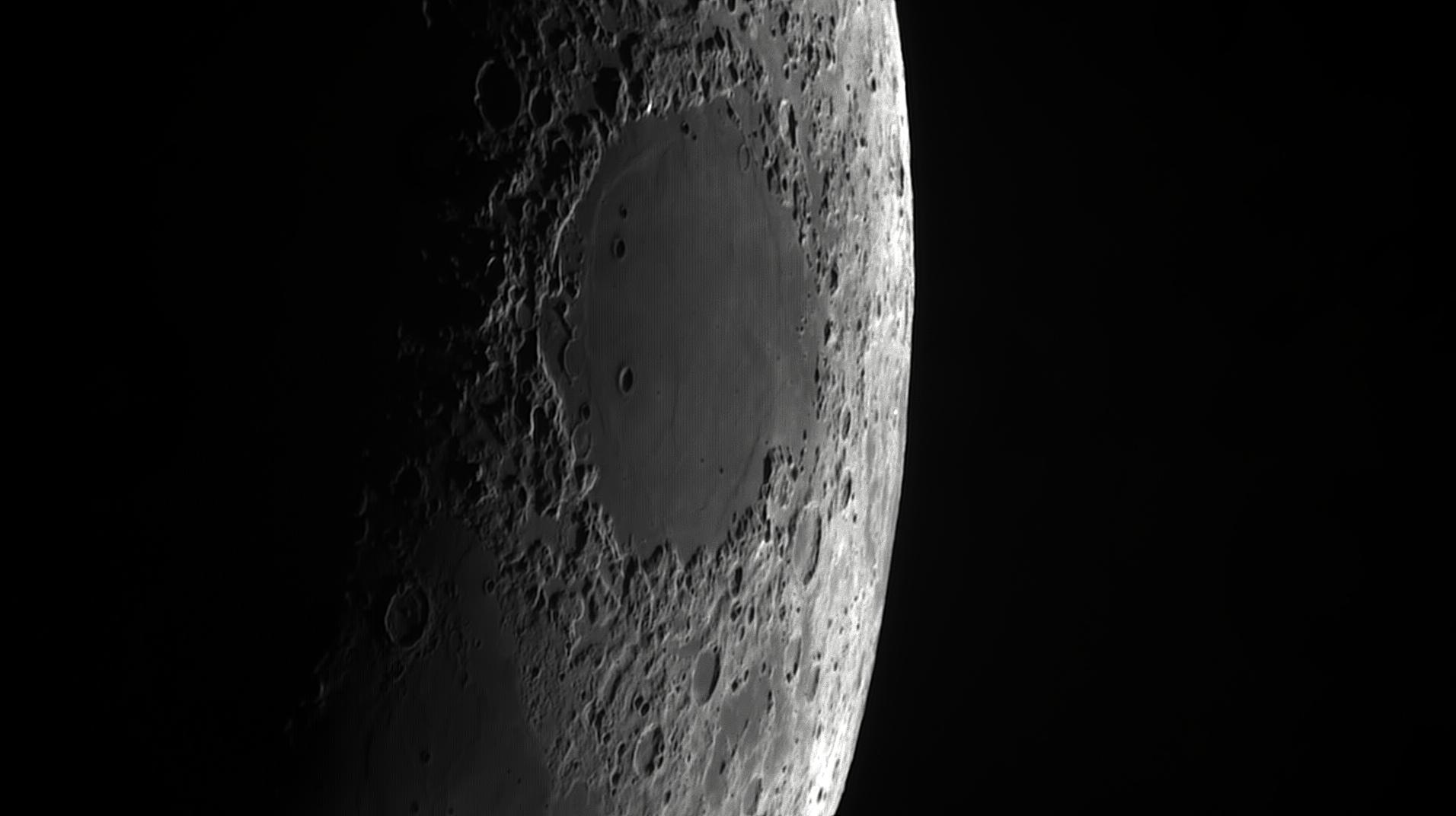 5cf9d110bf685_Moon_205016_060619_ZWOASI290MM_IR_680nm_AS_P35_lapl4_ap151.jpg.1dde66874a94568e1d316e662e40a3a9.jpg