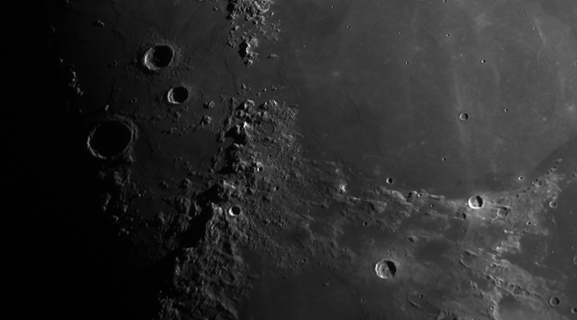 5d005396a24b5_Moon_225348_100619_ZWOASI290MM_Rouge_23A_AS_P30_lapl4_ap944ass.jpg.713d32ace91a04c6b1060957bd6b4f11.jpg
