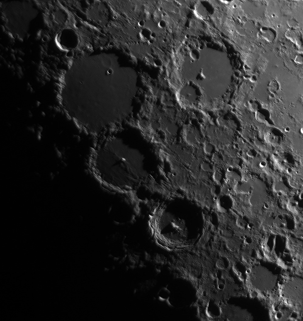 5d00602533f26_Moon_231657_100619_ZWOASI290MM_IR_720nm_AS_P40_lapl6_ap206_stitch.jpg.2502de3ab9c1d6168b9f13e4545c7b9e.jpg