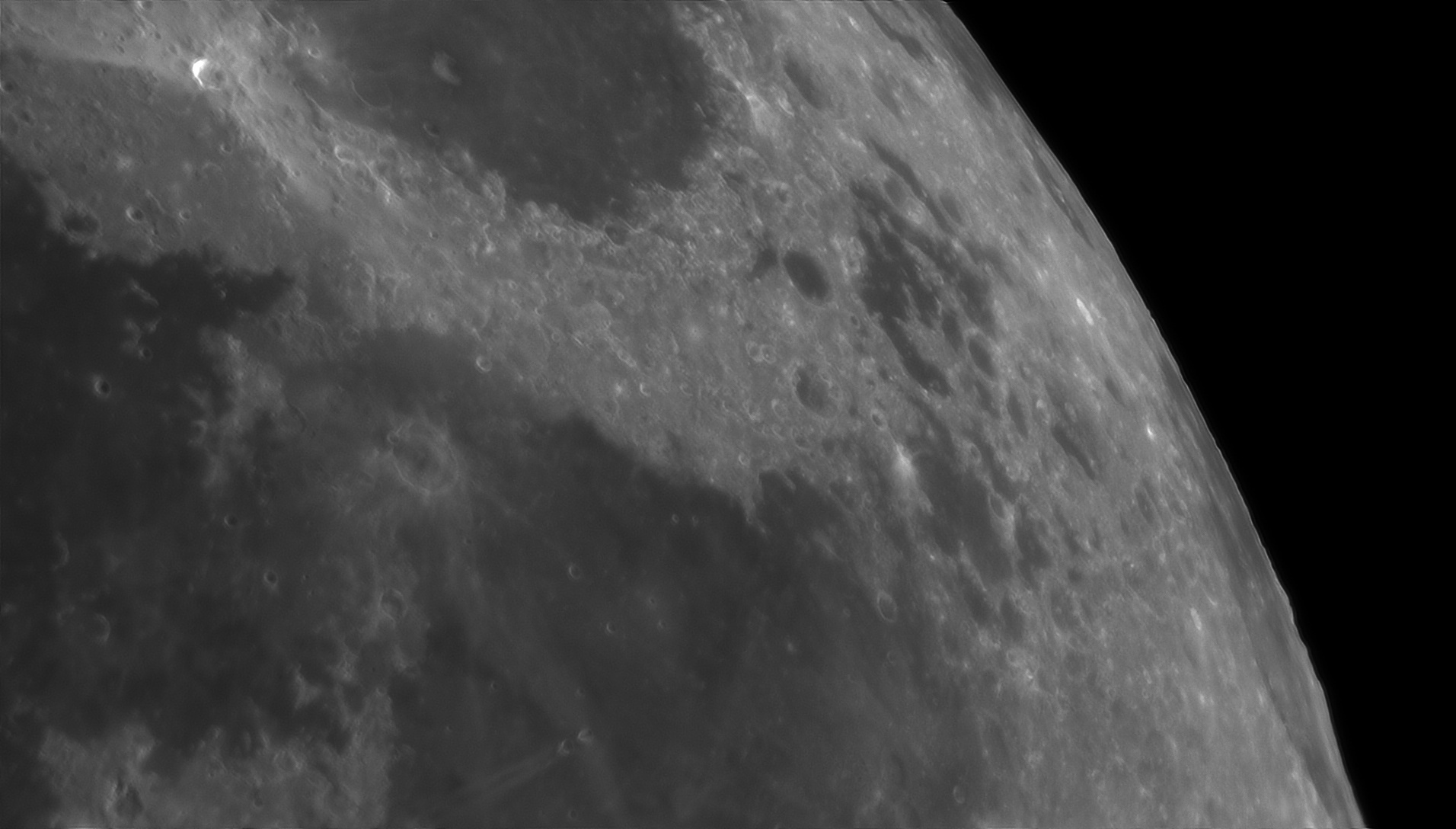 5d0185b6db15f_Moon_225516_100619_ZWOASI290MM_Rouge_23A_AS_P30_lapl4_ap899ast.jpg.579b5b4eb17adb58a0e60297345ed1cd.jpg