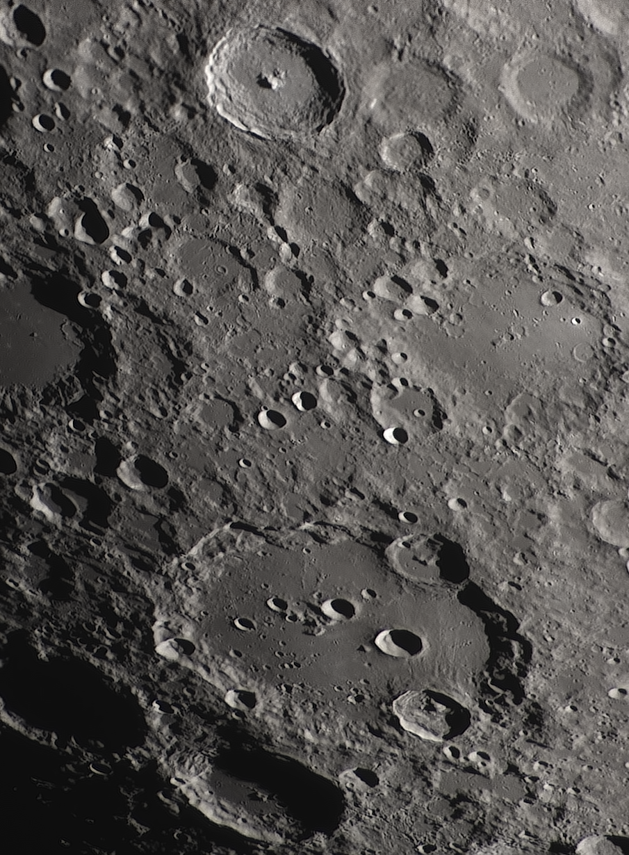 Moon_223054_N300x2-520ap48_grad4_ap1166-astra4.png