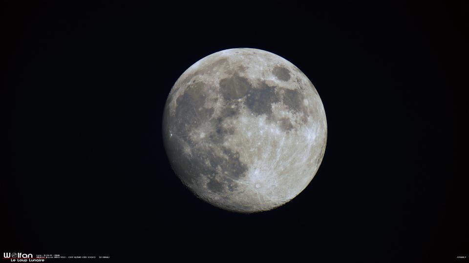 Lune gibbeuse couleur au 90mm avec SONYα3