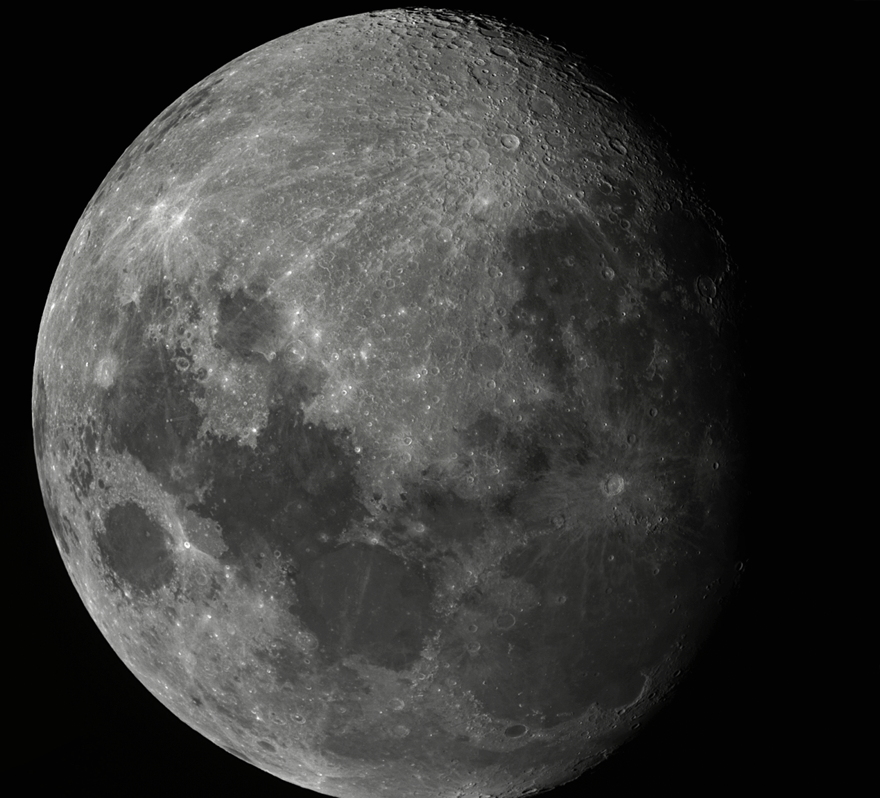 Moon_220940_stitch.png