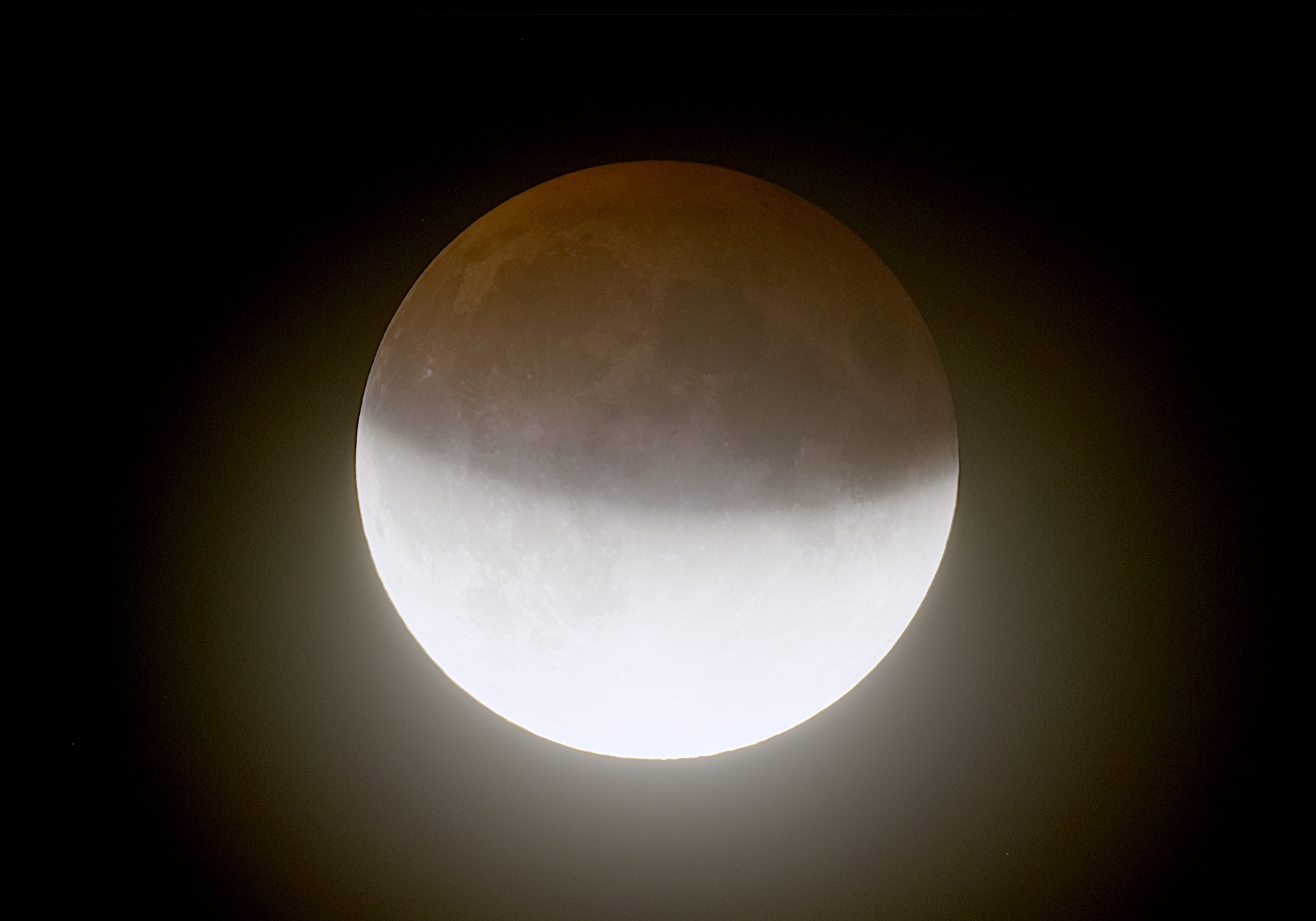 eclipselune-160719-21h58m49-t407f4bhdrlog.jpg.31f23e9e98dc8182a7717061d3598139.jpg