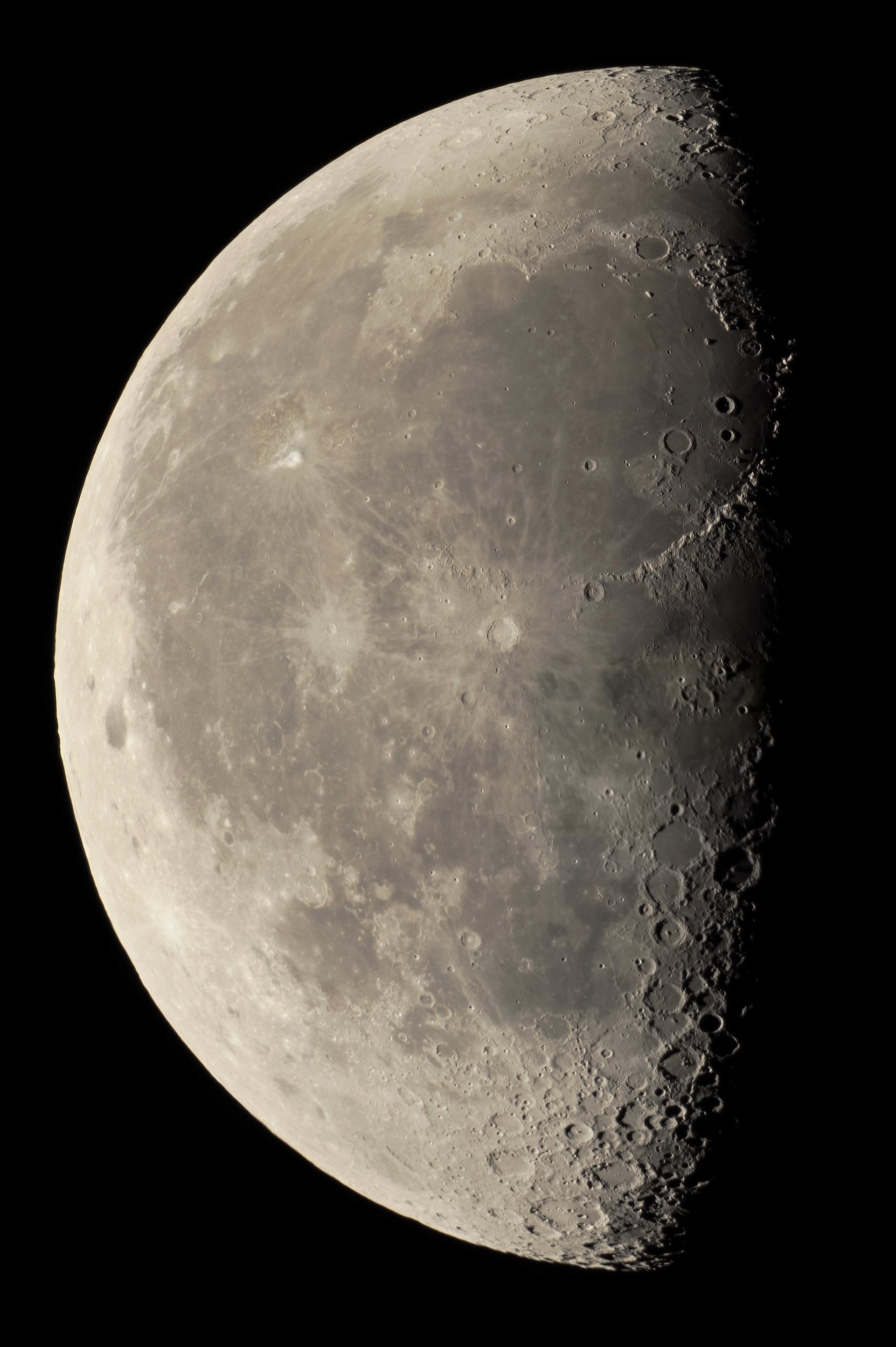 Lune au 22ème jour du 24 juillet 2019 ( C8 + barlow 3x + Sony A7s )