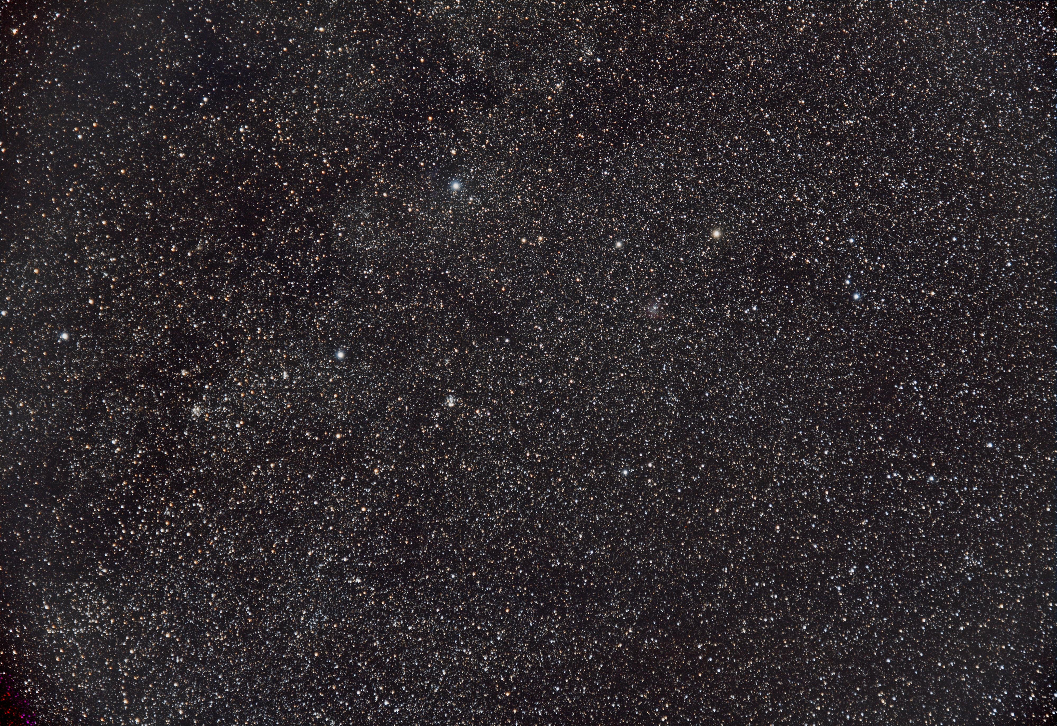 NGC281, NGC129 & NGC663 en grand champ
