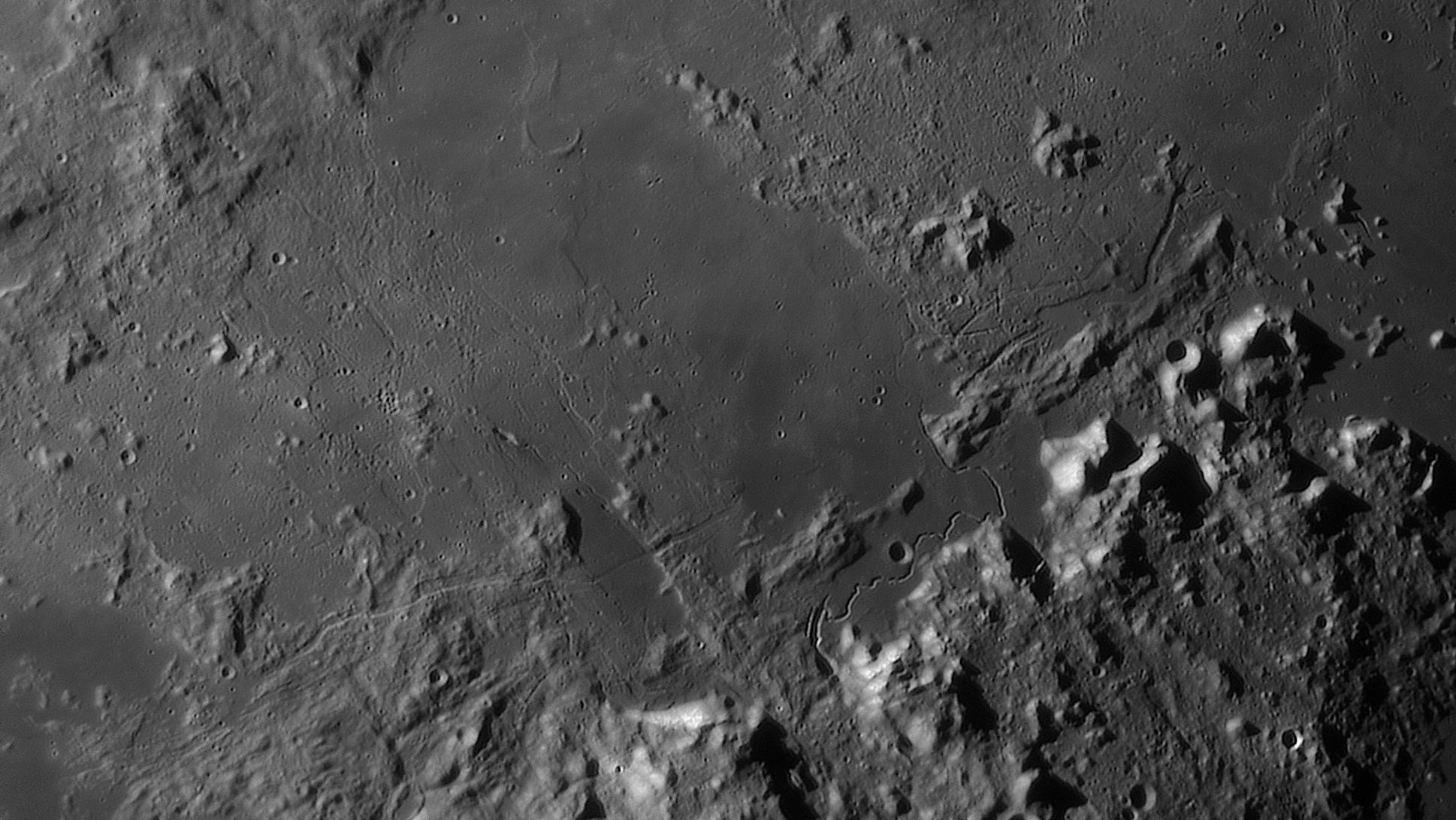 large.moon_23_07_2019_04_04_08_HADLEY.jpg.90a2f42575d925b1219334c2846907fe.jpg