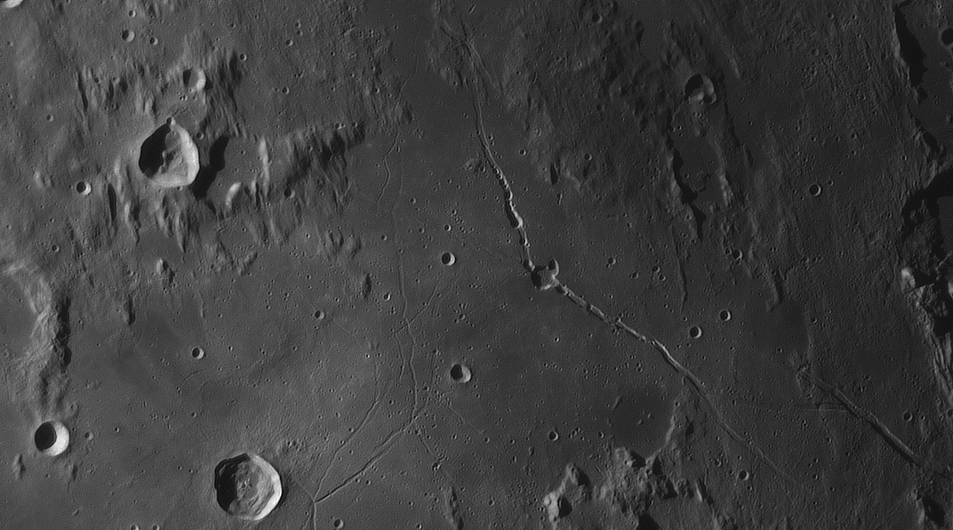 large.moon_23_07_2019_04_05_59_HYGINUS.jpg.f85f06458960cf097d950d0fdaaf4063.jpg