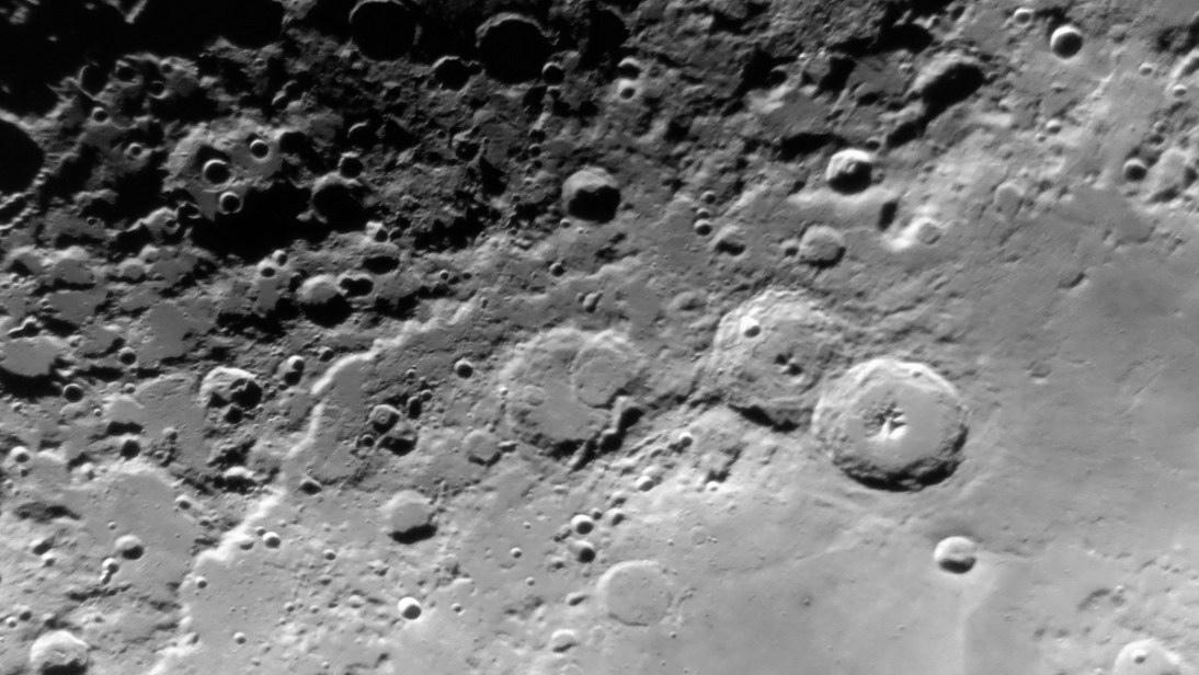 moon0807a.JPG.4d104e070d5dc938e909249e55db22b9.JPG